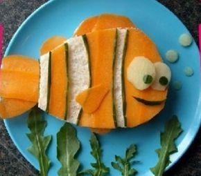 Sandwich di verdure a forma di pesce