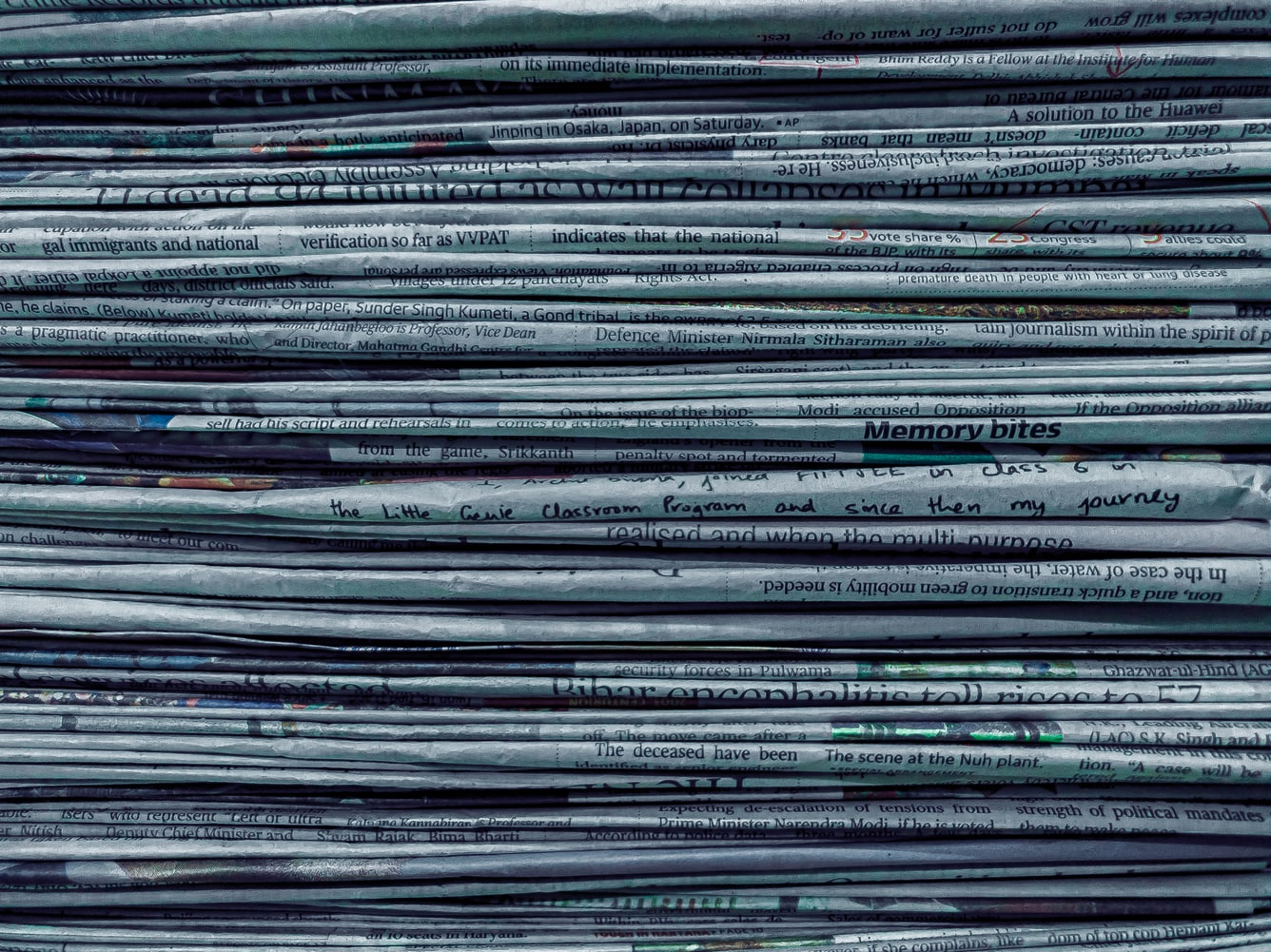 Giornali in pila